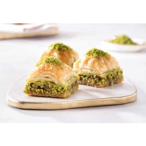 square baklava with pistachio